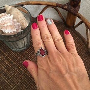VINTAGE Silver and Red Stone Ring